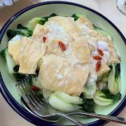 K2. Baby Bok Choy with Fresh Tofu Skin and Goji Berry 紅杞鮮竹白菜苗