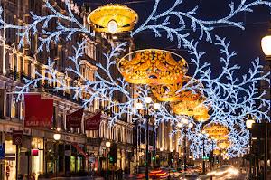 Regent Street shopping christmas