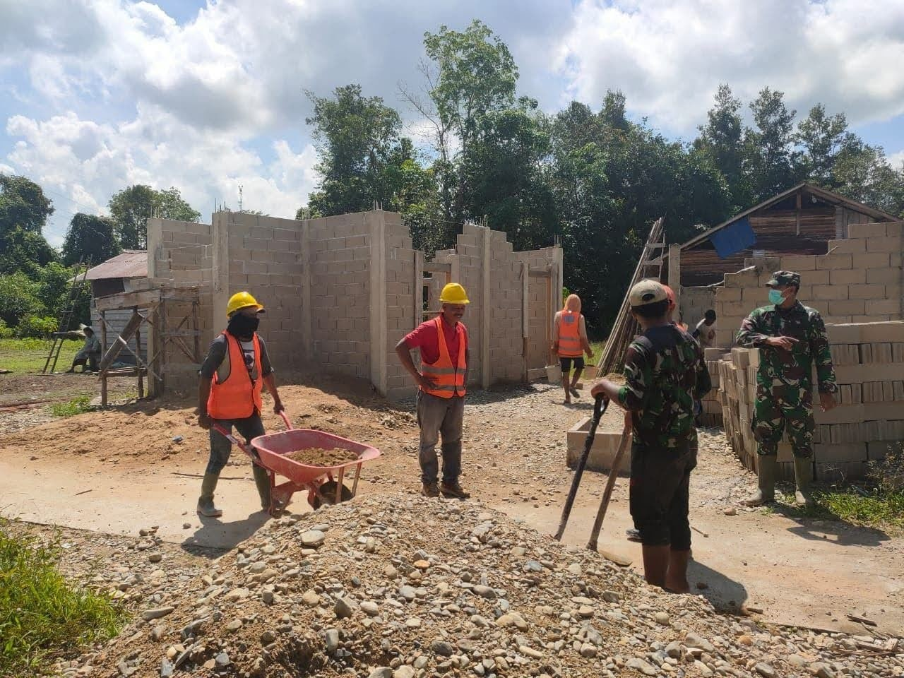 ZIDAM BERPARTISIPASI Dalam Pembangunan Mushola AS SYIFA Di Dusun Mabak Molo Desa TIGA BERKAT