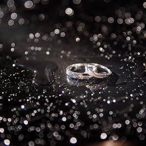 Wedding Ring by Ken Raven - Wedding Details ( ring, wedding photography, wedding, rings, bride and groom, wedding photographer, bride )