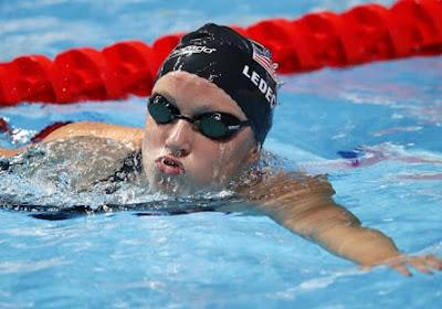 Amerikaanse zwemkampioene verpulvert haar eigen wereldrecord