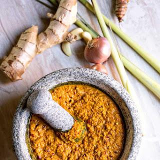 Easy Thai Yellow Curry Paste