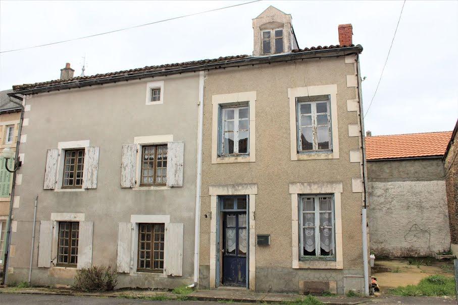 Vente maison 5 pièces 138 m² à Saint-Romain (86250), 42 000 €
