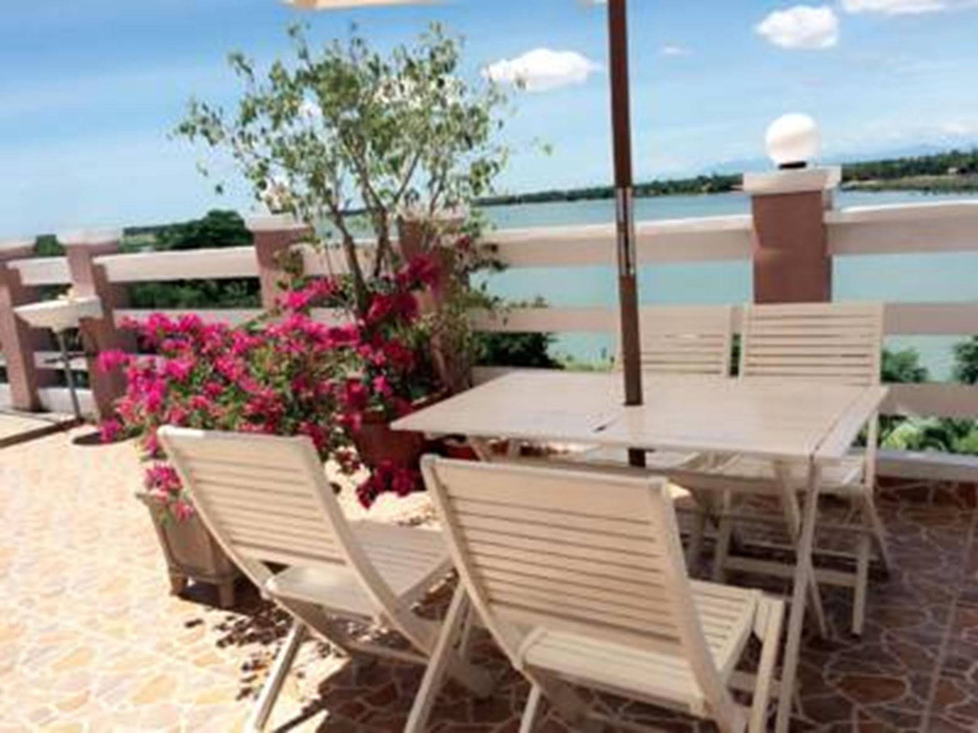 Hoi An Riverlife Homestay