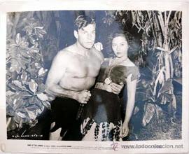 Photo: Gloria Dea (Metzner - R) and Buster Crabbe