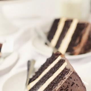Dark Chocolate Speculoos Truffle Cake
