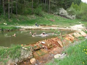 Photo: 04.Kalameny: darmowe kąpielisko termalne. Woda umiarkowanie ciepła ale są chętni do moczenia ;)