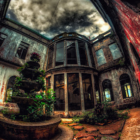 ABANDONED HOTEL by Chase Alog - Buildings & Architecture Decaying & Abandoned