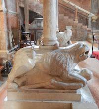 Photo: Pillar support, Modena Duomo