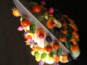 Photo: Arbre à légumes et ses sauces (1 pyramide de 100 pics)