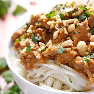 Slow Cooker Chicken with Thai Peanut Sauce Recipe