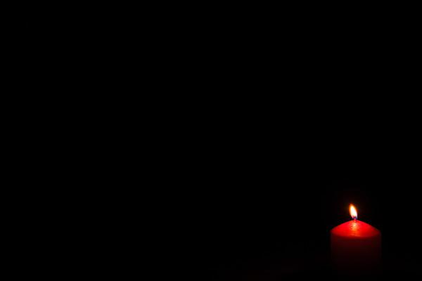 Nel buio, una fiammella di mariateresatoledo
