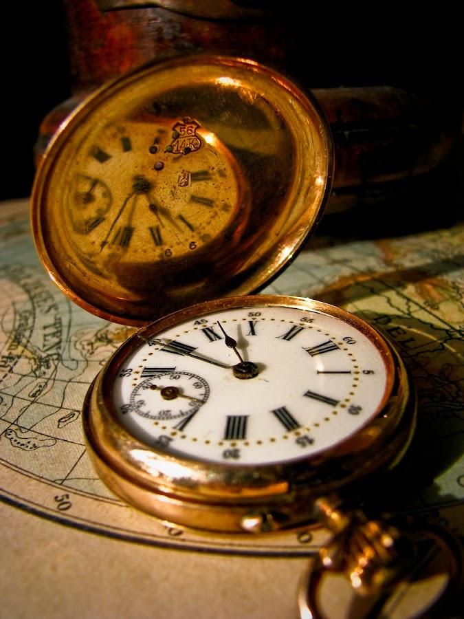 Pocket Clock by Ervin Boer - Artistic Objects Antiques ( clock gold pocket map old )