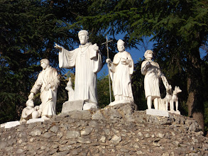 Photo: 020 Benediktus-monumentti luostarin alueella
