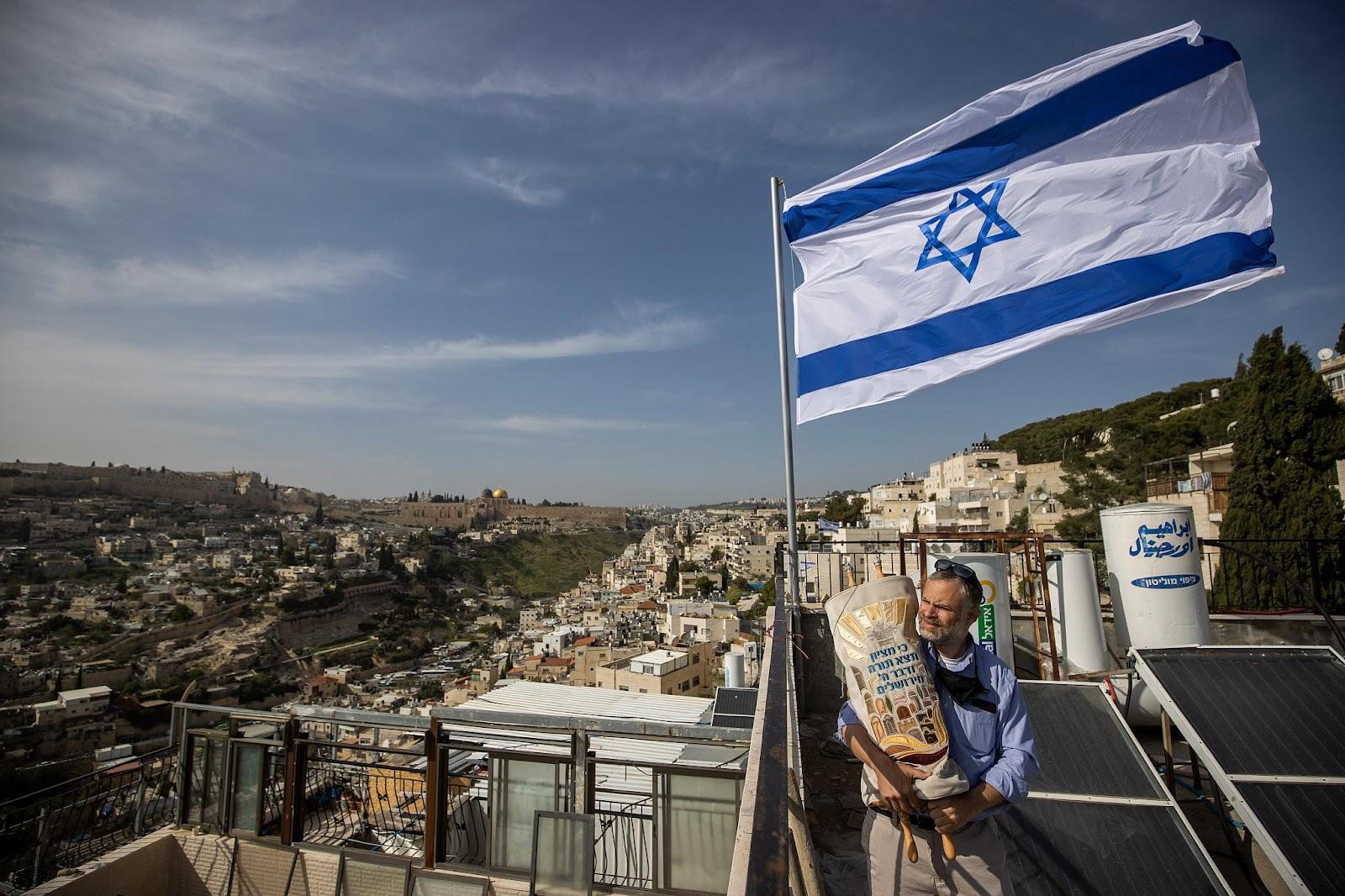 Macintosh HD SSD:Users:sophiemayoux:Desktop:Jewish man in Silwan.jpg