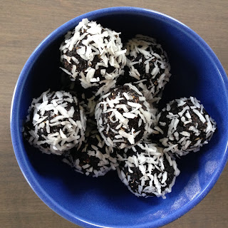 Chocolate Oat Power Balls.