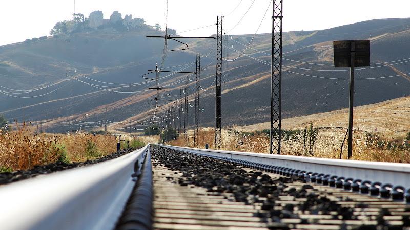 un treno per la città di Gero