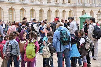 Photo: Zámek a zahrady ve Versailles ročně navštíví asi 5 milionů návštěvníků. Frontu na lístky do zahrad za nás odstál průvodce Mirek.