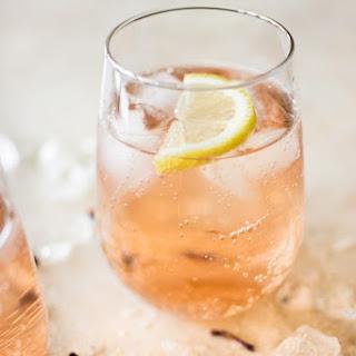 Easy Rosé Spritzer.