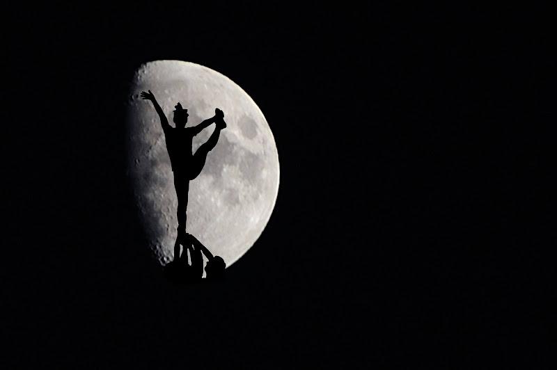 Dancing on the Moon di Domenico Cippitelli
