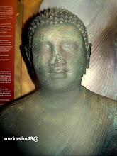 Photo: Arca Buddha Dipankara, ditemukan di Sikendeng,Mamuju, Indonesia tahun 1921. Arca ini berasal dari seni Amaravati, India Selatan yang berkembang pada abad ke 2 hingga 5 Masehi. http://nurkasim49.blogspot.in