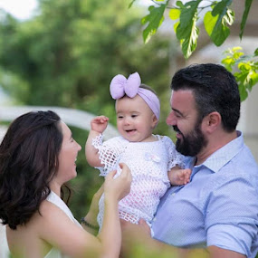 Happy family  by SOTIRIOS SARAFIS - People Family ( photooftheday, pose, happy, photo, photoshop, photos, photograph, child portrait, children, photographer, family, poses, photography, photoshoot, child,  )