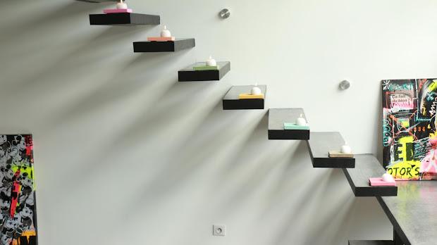 Escaliers en béton ciré dans un loft parisien