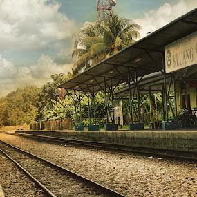 Kluang Station, Johor by Syafizul  Abdullah - Travel Locations Railway