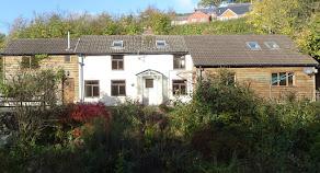 Detached Mochdre cottage