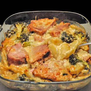 Scalloped Potatoes with Ham and Broccoli.