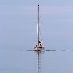 welcomeback by Michel Lapensée - Transportation Boats ( sailing, sea, sailboat )