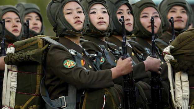 Женщины-военнослужащие армии КНДР
