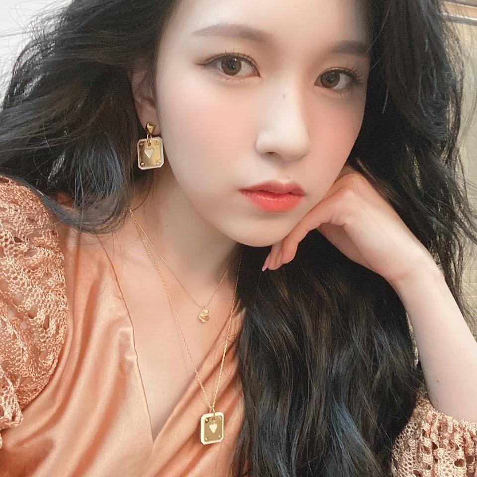 210617-TWICE-Instagram-Update-Mina