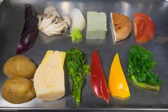 黒い野菜カレー材料