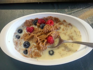 Breakfast-bran Flakes Cereal W/berries Recipe