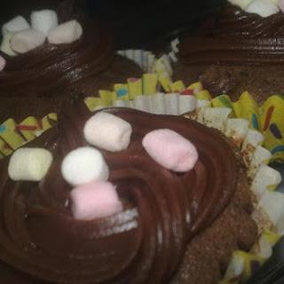 Oreo-Graham Marshmallow Cupcakes