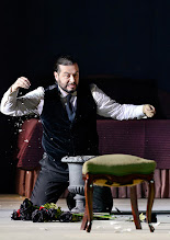 Photo: Theater an der Wien: La mère coupable Oper in drei Akten von Darius Milhaud . Premiere am 8.5.2015. Aris Argiris. Copyright: Barbara Zeininger