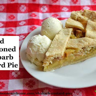 Old-Fashioned Rhubarb Custard Pie