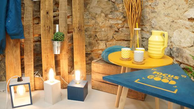 collection béton ciré couleur bleu canard avec lampe béton à ampoule rétro edison à filaments