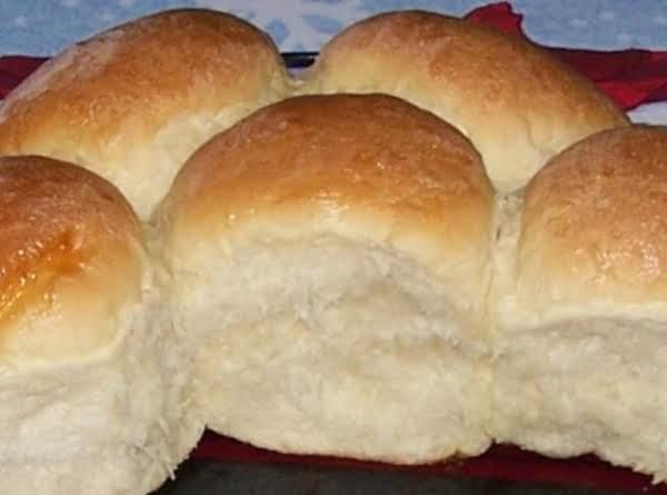 Peggi's Yeast Rolls Recipe