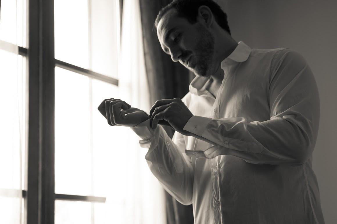 Lo sposo si prepara