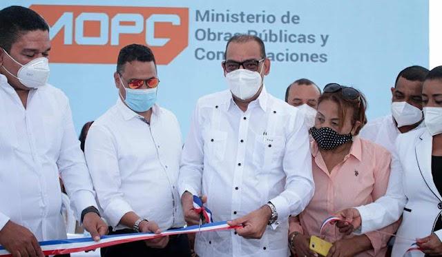 Obras Públicas deja en servicio nuevo puente que comunica a Polo y Cabral, en la provincia Barahona