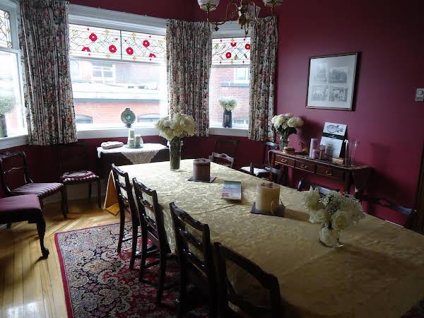 Mahogany Manor Bed & Breakfast
