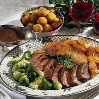 Entenbrust in Rotweinsoße und Kartoffelbällchen