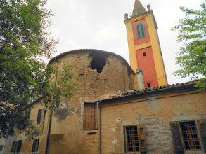 Photo: Sammartini: Squarcio nell'abside e altre lesioni alncampanile