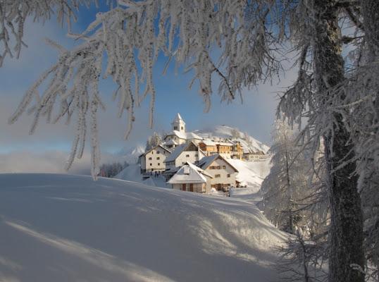 Panorama invernale montano Monte Lussari di cristianopugnetti