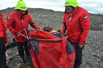 Photo: C'est bien ca... il a ouvert les tentes comme une boite de sardine !