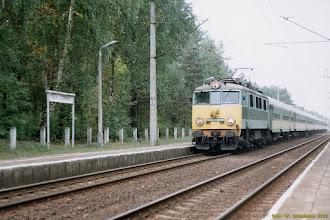 """Photo: EU07-054, P """"Chełmianin"""" Kostrzyn - Chełm {Toruń Czerniewice; 2003-09-16}"""