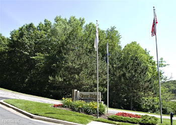 Go to Stone Ridge Apartments website