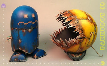 Photo: Pakkubot 13 & Ghost - Color Blank & Sculpture